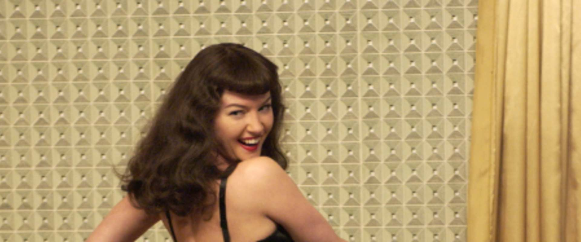 The Notorious Bettie Page background 2