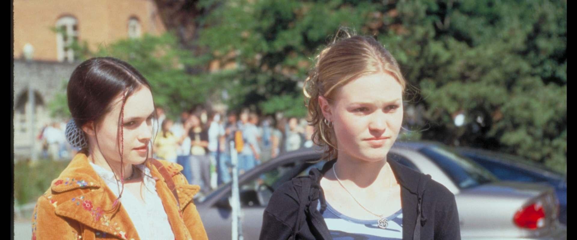 Genre Grandeur 10 Things I Hate About You 1999: Watch 10 Things I Hate About You On Netflix Today
