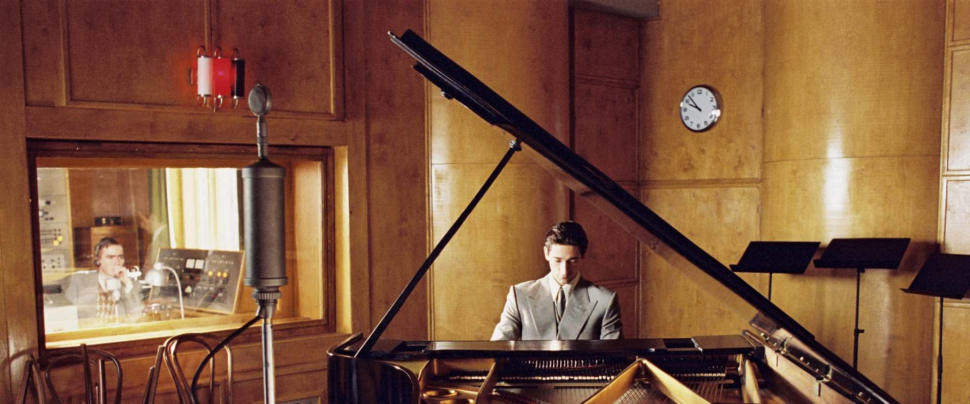 The Pianist background 2