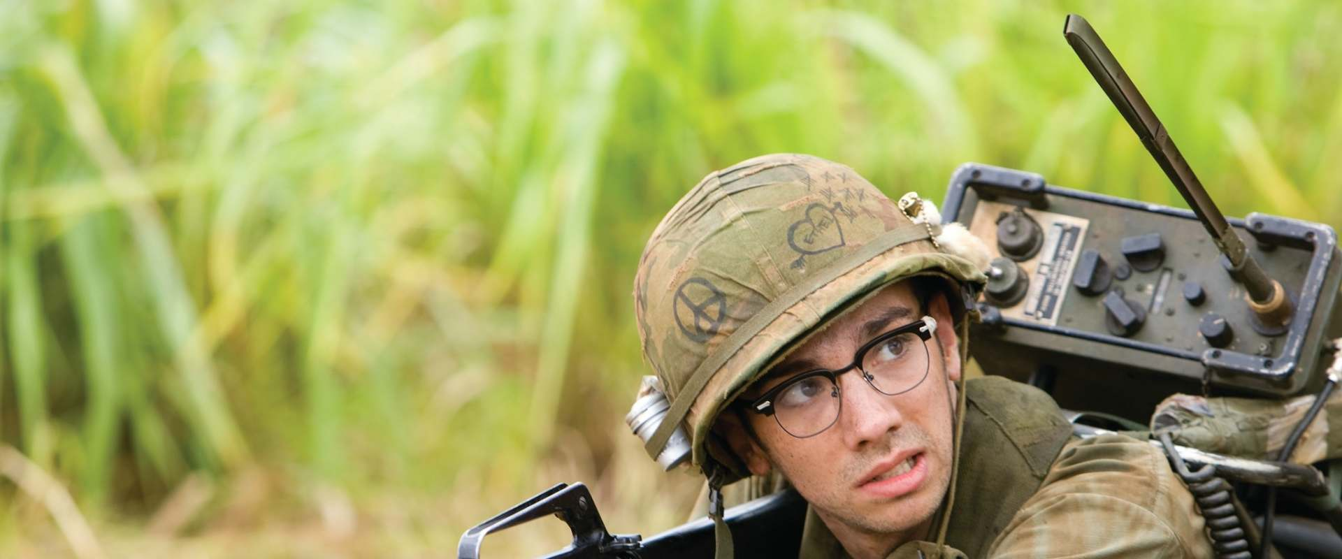 Tropic Thunder background 2